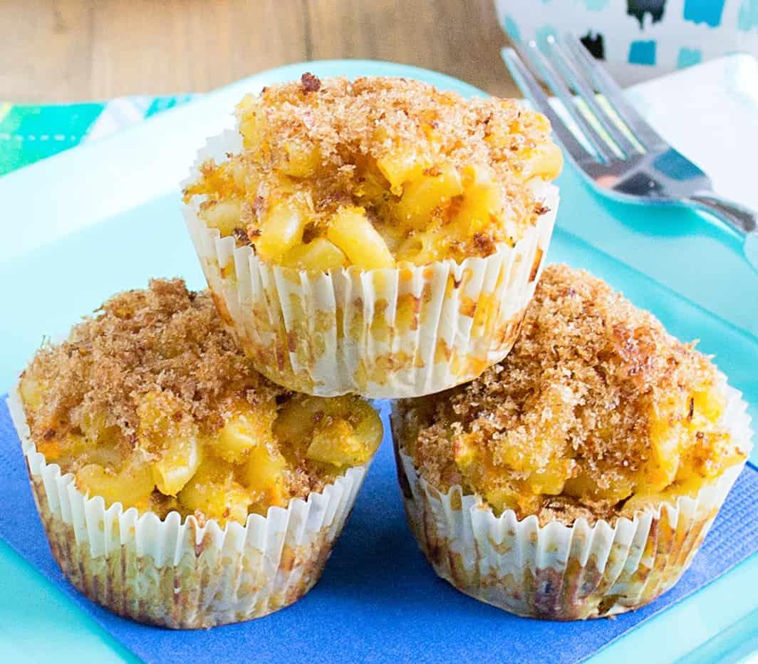 mac n cheese muffins close up
