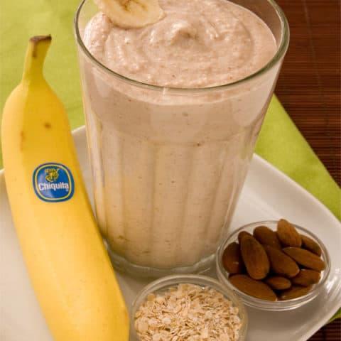 Quick Banana Oatmeal Smoothie