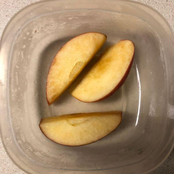 Sliced apples in soda water