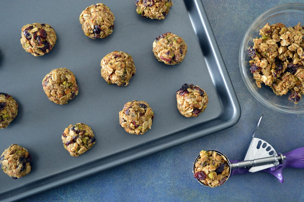 These cranberry and pistachio no-bake energy bites will help fill kids up and keep hunger at bay until dinner.
