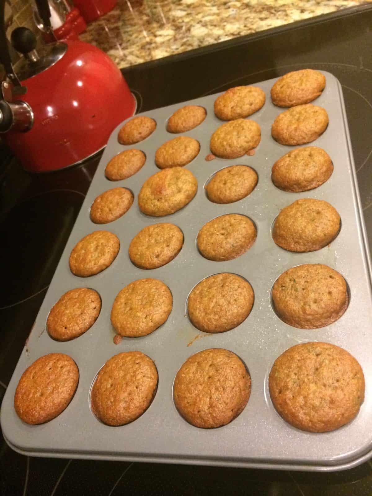 how to make apple zucchini mini muffins