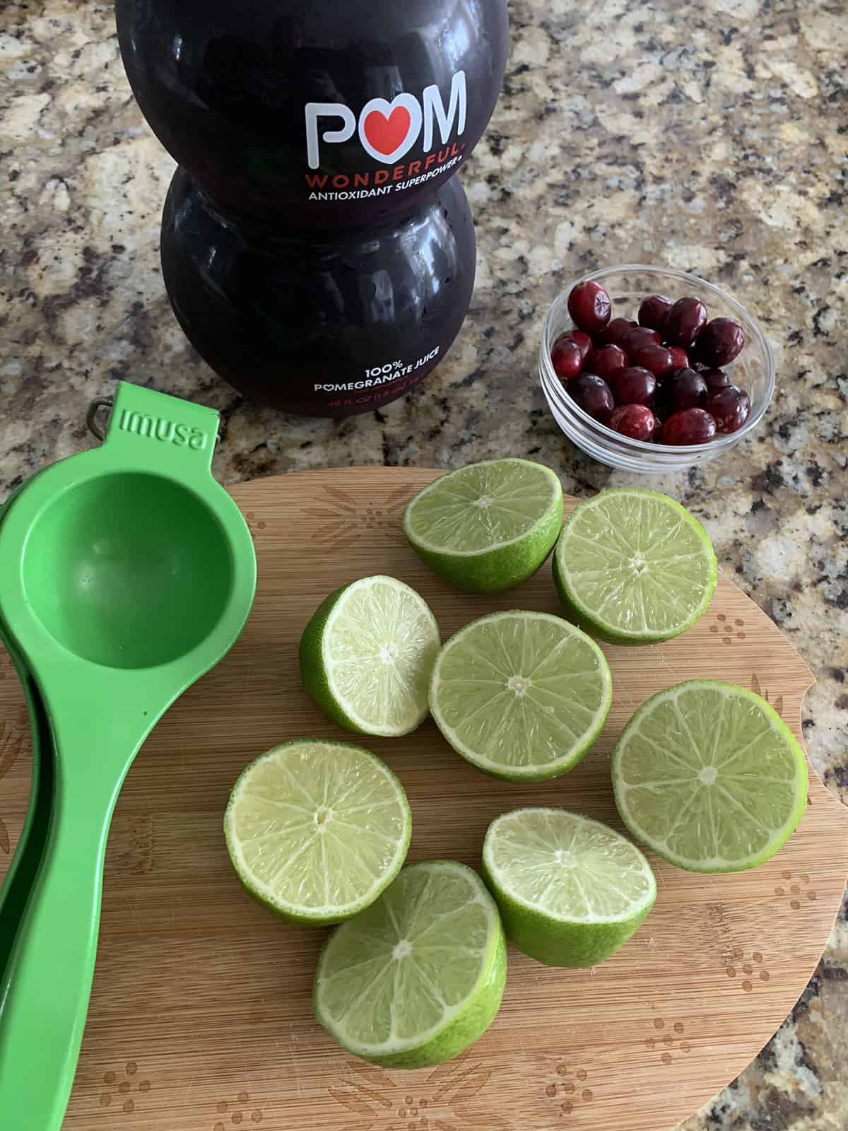how to make a pomegranate mocktail