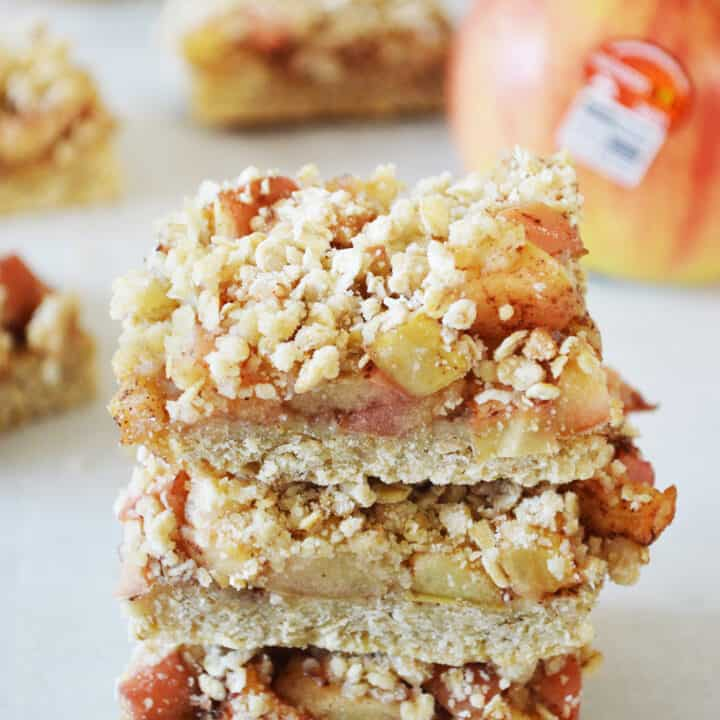Apple Crisp Breakfast Bars
