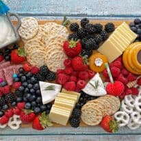How To Make A Patriotic Charcuterie Board