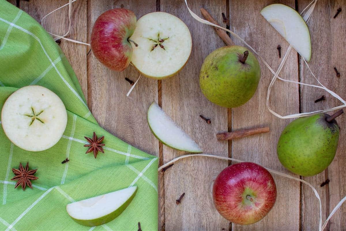 Tasty Pear and Apple Dessert Nachos